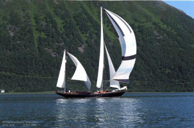 Impalla all sails small.jpg
